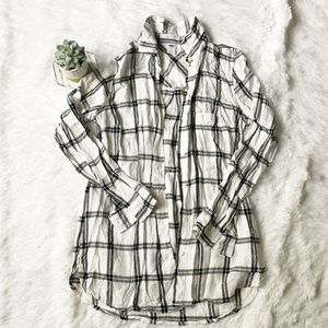 Old Navy Button Up Plaid Shirt